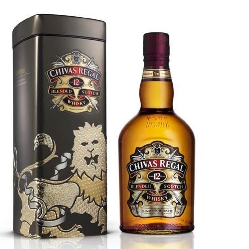 Chivas Regal 12 Years Old metal box 2013 Scotch whisky 0,7