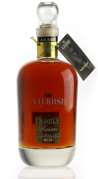 A. H. Riise Family Reserve rum 0,7l