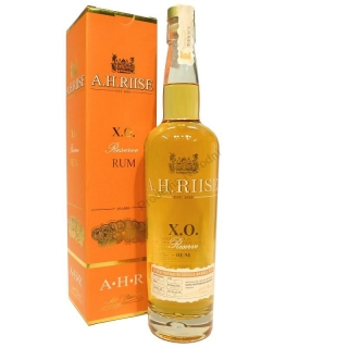 A. H. Riise XO Reserve rum 0,7